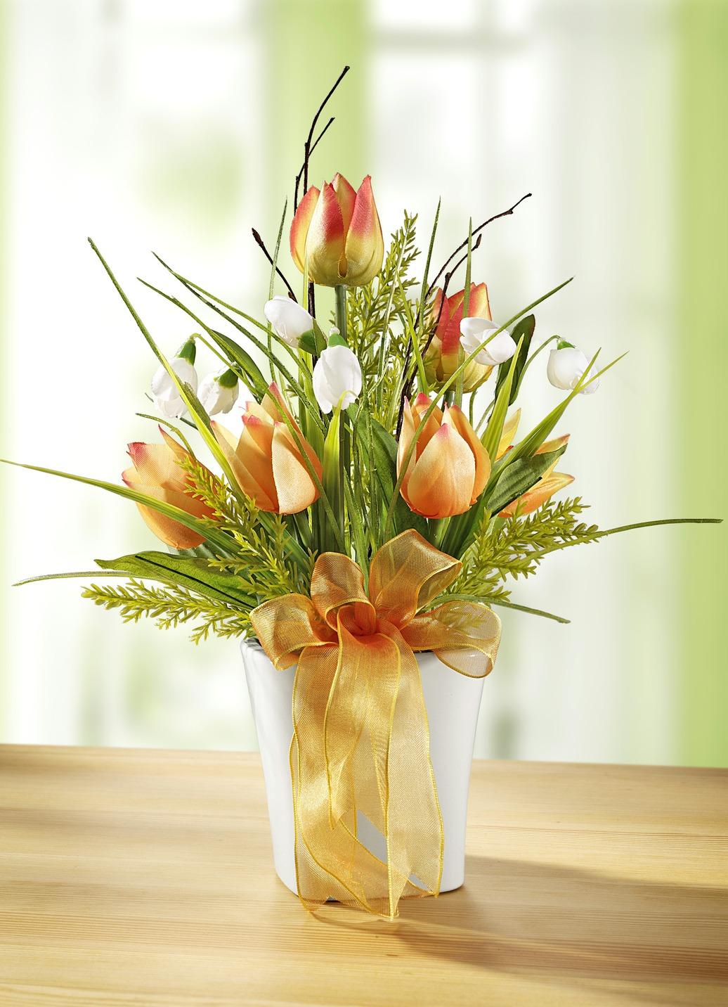 tulpen gesteck im topf sommerliche dekoration brigitte salzburg. Black Bedroom Furniture Sets. Home Design Ideas