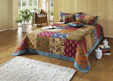 schöne tagesdecken | wohnliches schlafzimmer | brigitte salzburg - Patchwork Tagesdecke Bettuberwurf Schlafzimmer